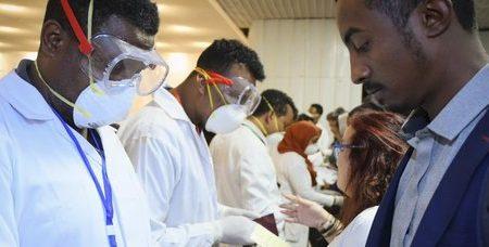 Coronavirus, la prima frase dei due cinesi ricoverati allo Spallanzani: «Ci siamo ammalati subito»
