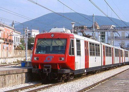 Circum, l'Eav puntualizza sul treno in avaria